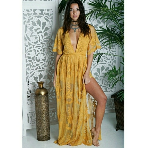 4636be6729c7 Honey Punch Dresses   Skirts - Honey Punch Lace Maxi Dress Romper